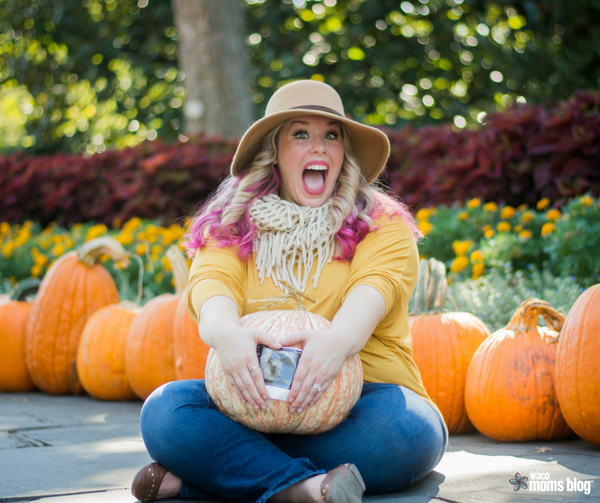 See more from this fall pregnancy announcement at thevintagemodernwife.com