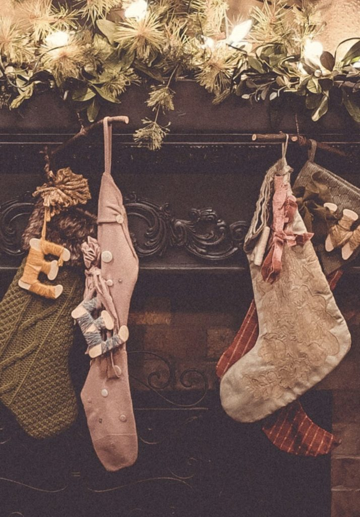 Christmas Traditions-Eight New Family Traditions To Start This Year